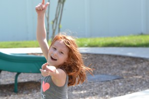 Eleonora på legepladsen