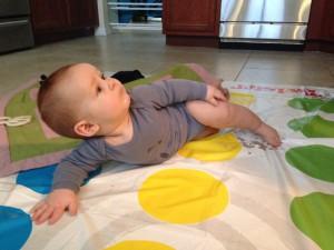 Babytvwister...tjek lige balletfoden!